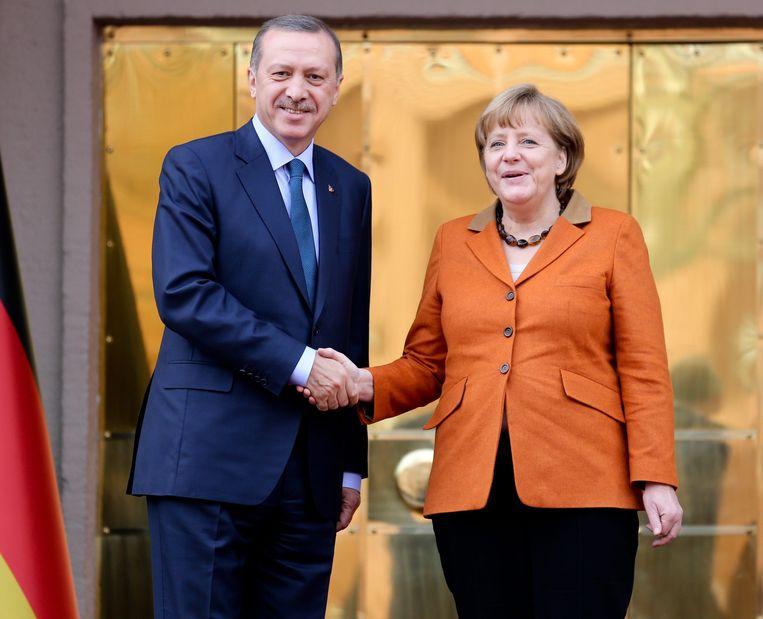 De Duitse bondskanselier Angela Merkel met de premier van Turkije, Recep Tayyip Erdogan. Beeld epa