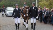 Paard Ganthe leidt rouwstoet voor amazone Jelle