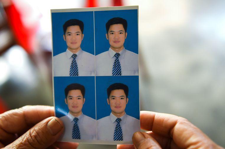 Een foto van Nguyen Van Hung (33) die mogelijk in de truck zat. Groot-Brittannië heeft Vietnam documenten gestuurd die kunnen helpen om de slachtoffers te identificeren. Beeld AFP