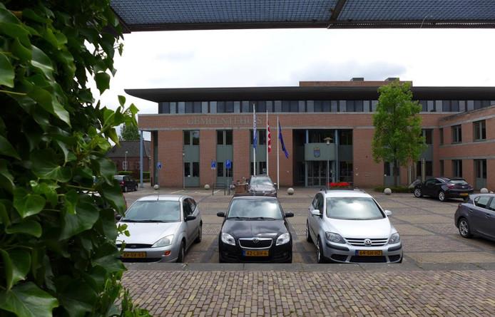 Het gemeentehuis van Haaren is overbodig na de opsplitsing van de gemeente.