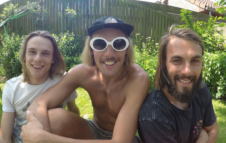 Oudenburg: (vlnr): Bavo, Sil en Ward Meeus vormen Seagulls