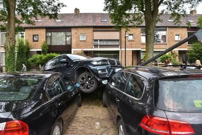Automobiliste wil parkeren, maar dat ging een beetje mis