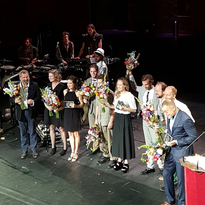 Bromance van Theater Oostpool wint de Gouden Krekel.
