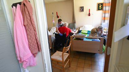 LIVE. Gitzwarte sterftecijfers: 325 doden in laatste 24 uur, nog eens 171 extra in Vlaamse rusthuizen - Leverancier mondmaskers verdedigt zich
