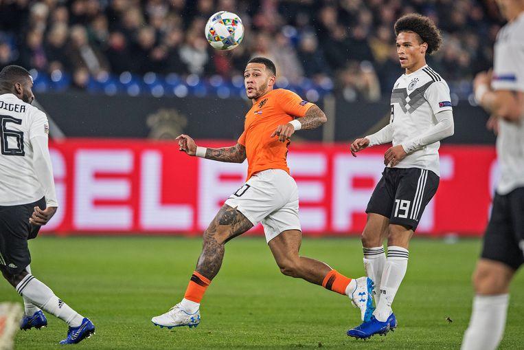 Memphis Depay vorig jaar in actie tegen Duitsland, in de uitwedstrijd voor de Nations League (2-2). Beeld Guus Dubbelman / de Volkskrant