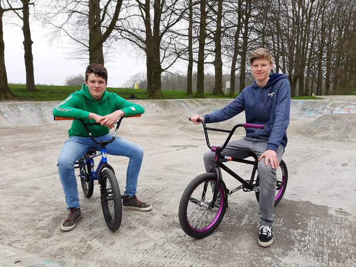 Thijs Peters en Bart Notkamp, op Het Hulsbeek in Oldenzaal.