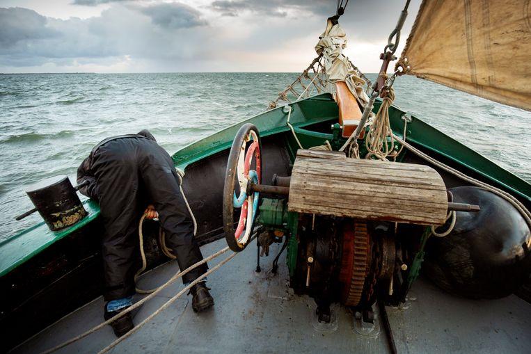 Aan boord van de Lichtstraal, op de Waddenzee bij Texel. Beeld Harmen de Jong
