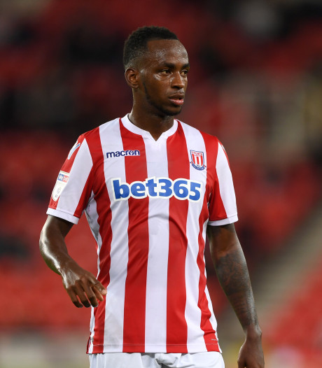 'Spits Stoke City wordt in zeven weken drie keer vader'