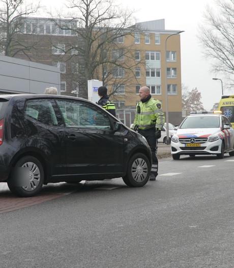 Automobilist schept voetganger in Zutphen