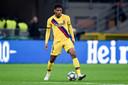 Jean-Clair Todibo namens FC Barcelona in actie tegen Internazionale.