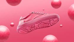 Deze Amsterdamse sneaker is gemaakt van kauwgom op straat