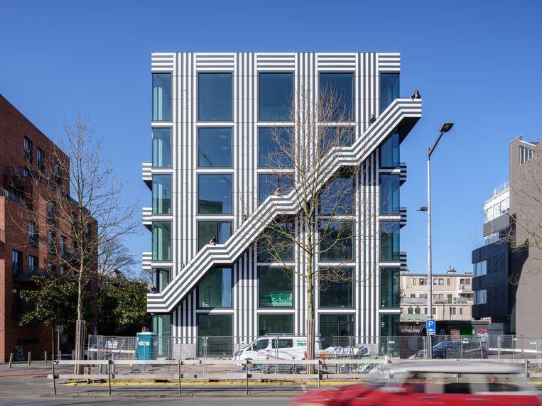 Het nieuwe kantoor Thonik aan de Amsterdamse Wibautstraat. Beeld Ossip van Duivenbode