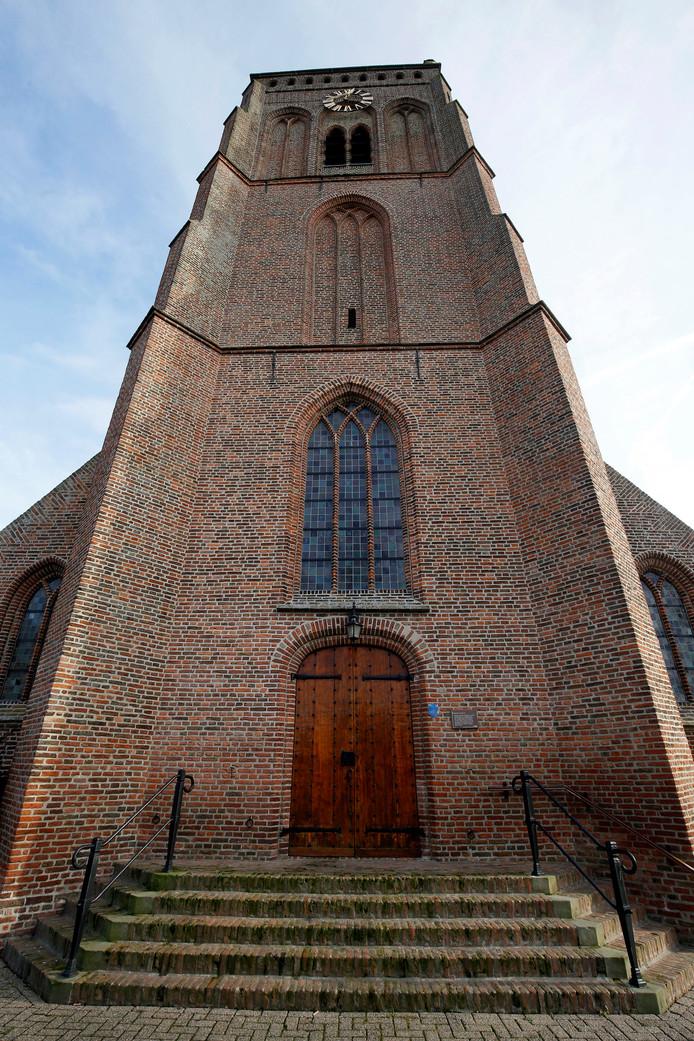 Een belangrijke plek in het ruim 1600 inwoners tellende plaatsje heeft de Dorpskerk die rond 1500 werd gebouwd. De kerk (inclusief de oude begraafplaats en de pastorie) is eigendom van de Protestantse Kerk in Nederland.