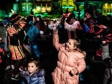 Fans FC Den Bosch willen 'massaal' steun geven aan Zwarte Piet bij intocht, Mikkers houdt ME achter de hand