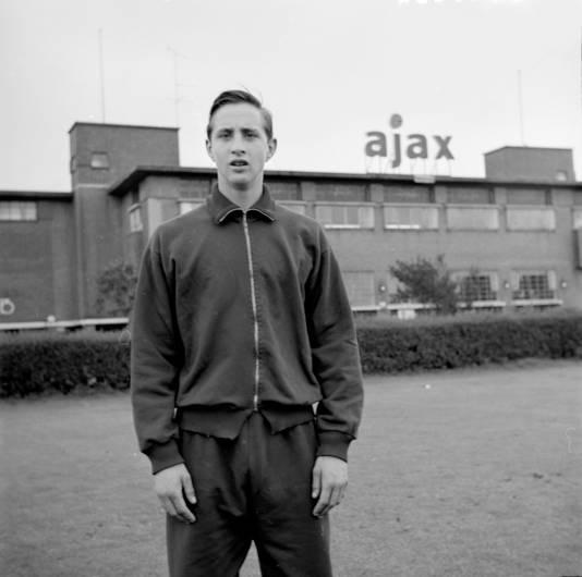 Johan Cruijff bij stadion De Meer in 1966.