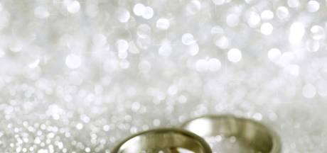 Ils se sont mariés 27 ans après leurs fiançailles
