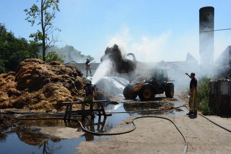 Gisteren was de brandweer nog de hele dag in de weer met nablussen.