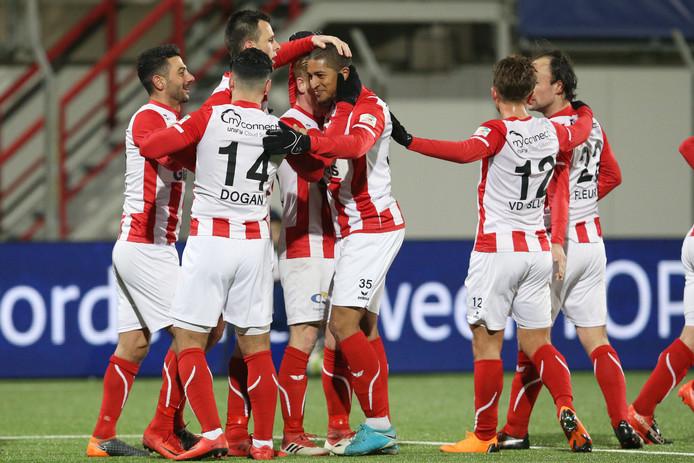 FC Oss - SC Cambuur, eindstand 2-1, blijdschap na de 2-1.