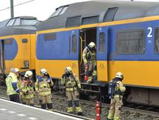 Intercity na noodstop in Nijkerk ontruimd vanwege brandlucht