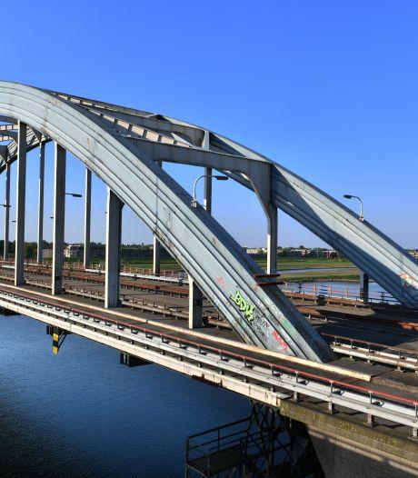 Oude Lekbrug bij Vianen wordt gesloopt (maar niet helemaal)