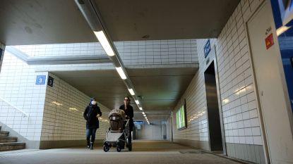 Te voet door Zaventemse spoorwegtunnel om inkopen te doen? Verplicht een mondmasker op