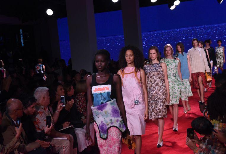 Modellen op de catwalk tijdens de finale van de lente- en zomercollectie 2019 van Calvin Klein.