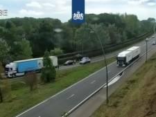 Auto botst met vrachtwagen op N2 richting Batadorp