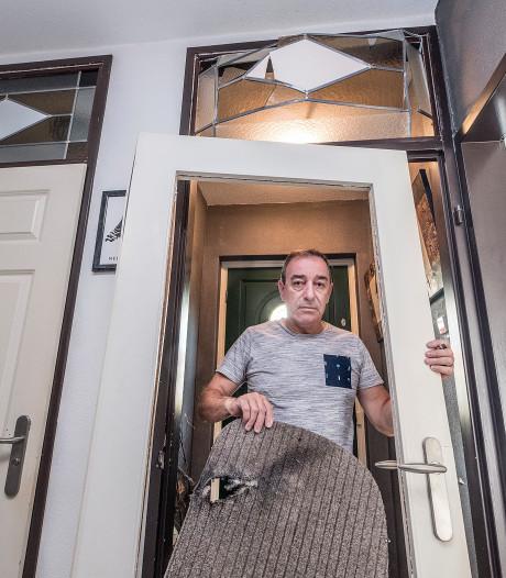 Zwaar vuurwerk door de brievenbus: kwajongensstreek of aanslag?
