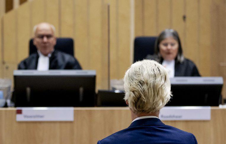 Wilders voor aanvang van een zitting van het hoger beroep in augustus. Beeld ANP