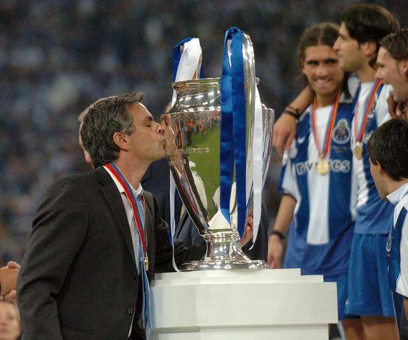 Jose Mourinho FC Porto Champions League 2004