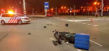 Aanrijding tussen pizzabezorger en auto op Engelseweg in Helmond