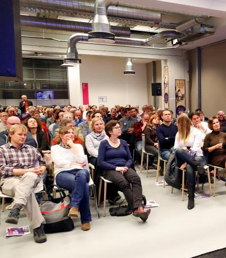 Ook Charles Groenhuijsen bij Helmondse talkshow Zondagse Soep