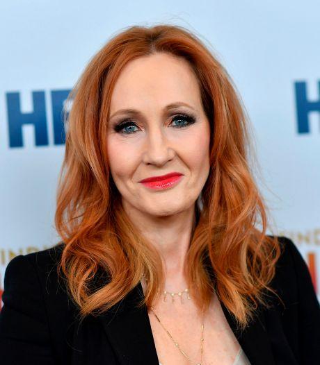 J.K. Rowling remet de l'huile sur le feu avec une nouvelle série de tweets polémiques