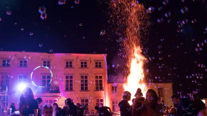 Carmen van FC De Kampioenen op zesde Nacht van de Duisternis in Sint-Truiden