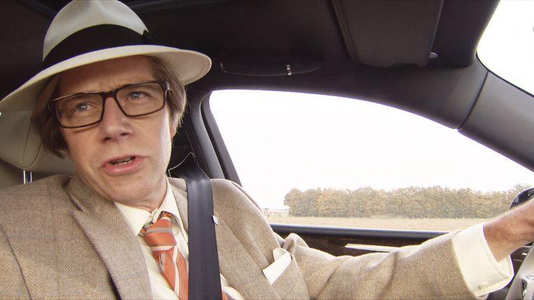 Walter Baele als Willy Naessens, in Tegen de Sterren op.