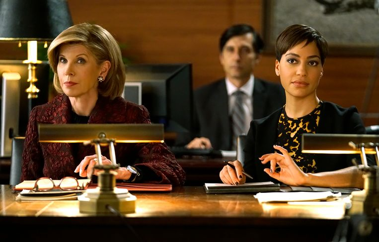 Vanaf links: Christine Baranski als Diane Lockhart en Cush Jumbo als Lucca Quin.  Beeld CBS