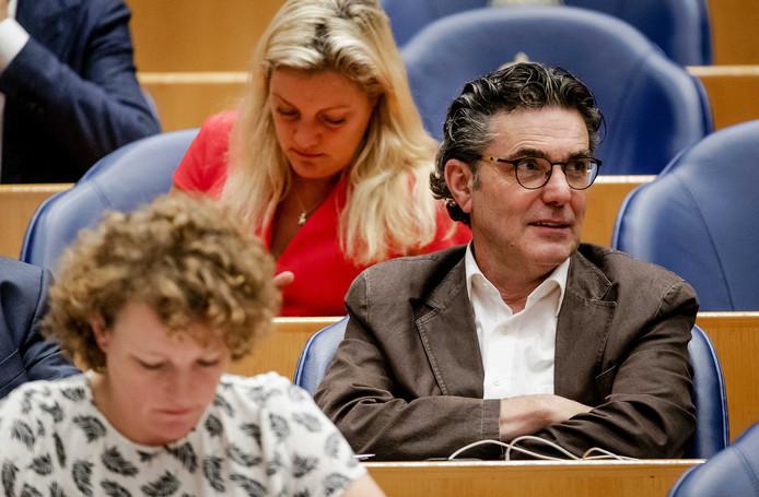Henk van Gerven (SP) wil dat Q-koortsslachtoffers in elk geval 30.000 euro per persoon krijgen. ANP ROBIN VAN LONKHUIJSEN