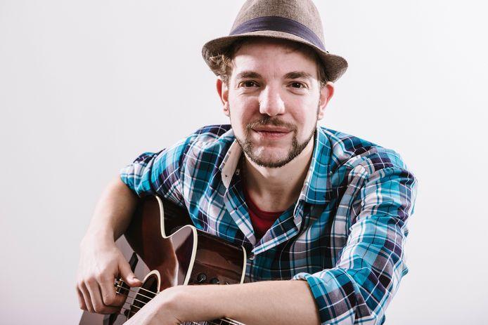 Singer-songwriter Maarten van Veen begint volgend jaar officieel als Deventer stadstroubadour.