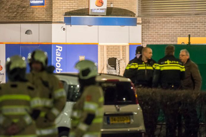 Bij de Rabobank in Woerden is een pinautomaat opgeblazen.