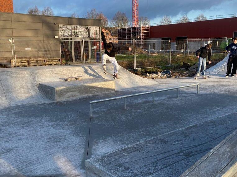 Op de officiële opening worden de skaters uitgedaagd hun beste tricks uit de kast te halen.