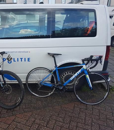 Politie Bergen op Zoom vindt negen gestolen fietsen van Wielrenvereniging Ossendrecht terug