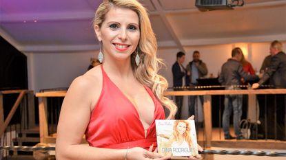 Zangeres Dina Rodrigues heeft eerste cd uit