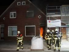 Zoon haalt zijn moeder uit brandende woning in Kaatsheuvel