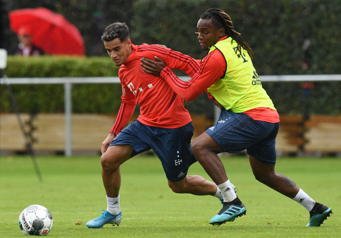 Renato Sanches op de training in duel met Philippe Coutinho.