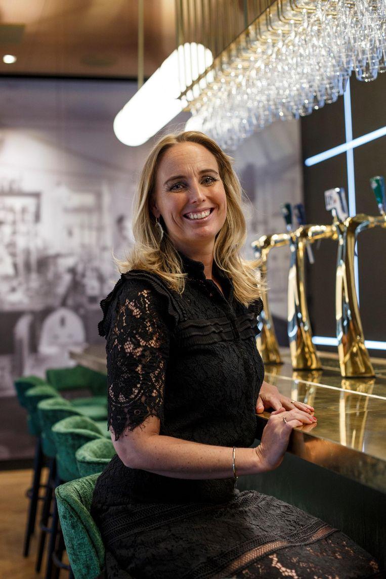 Lieke Westendorp, directeur van de Heineken Experience in de nieuwe, 'geheime' bar Henri's Lab. Beeld Carly Wollaert