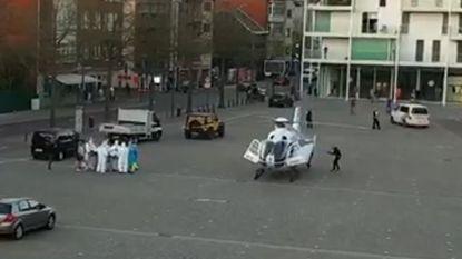 Helikopter landt op Rondplein om patiënt naar Universitair Ziekenhuis te transporteren