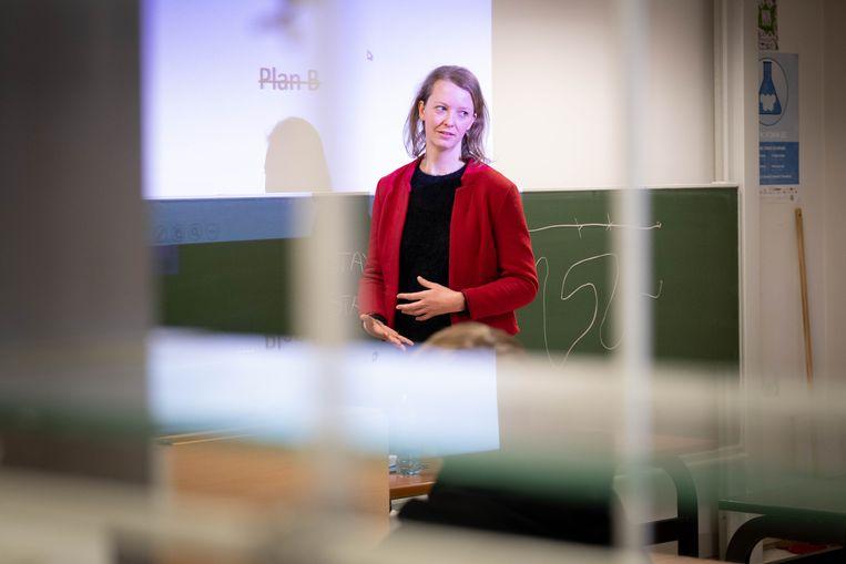 Tinne Vandersypen van de firma Aquatreat was vanmiddag op bezoek in het Sint-Aloysiusinstituut.