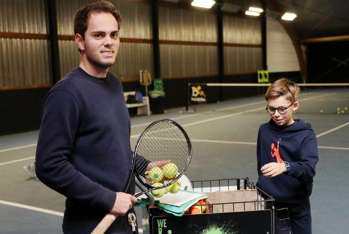 De 27-jarige Yannis Baltogiannis aan het werk in TC Vijverhof, zijn werkdomein.