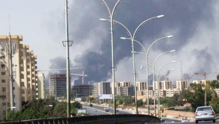 Rook in de stad Tripoli in Libië, twee weken geleden. Beeld ap
