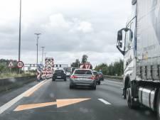 Minstens 138 chauffeurs met gsm betrapt aan werken op E17